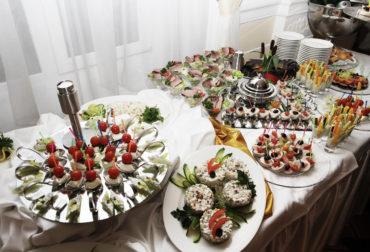 Свадебный фуршет – модная и удобная альтернатива банкету!